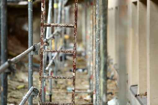 Steel frame framework is the most common way to freely work outside the building to repair façade insulation or renovation. 952926750