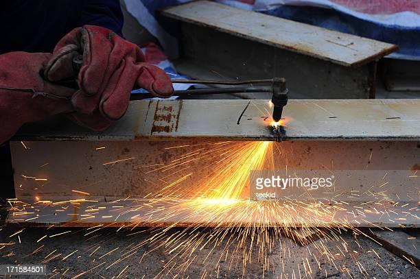 steel metal cutting-oxygen fire slicing tubes with sparks - don smith bildbanksfoton och bilder