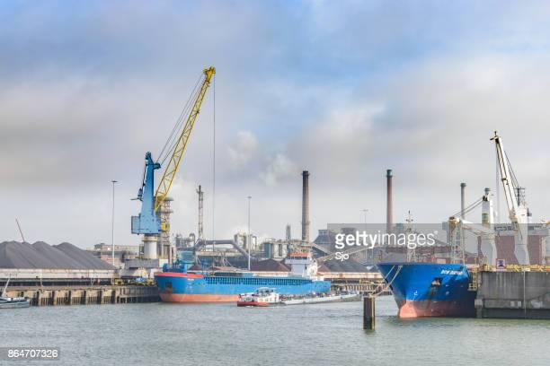 アイントホーフェン、オランダの無制限タタ ・ スチールの製鉄所 - タタ・スチール ストックフォトと画像
