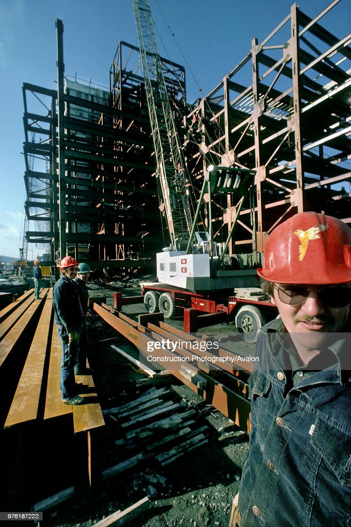 Steel store and construction of steel framed building. Toronto ...