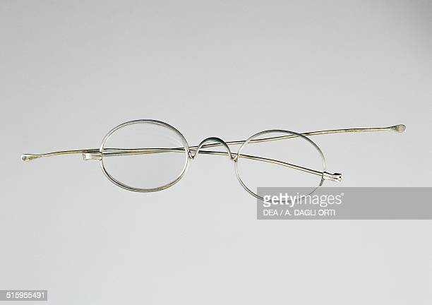 Steel wire spectacles End of 19th century