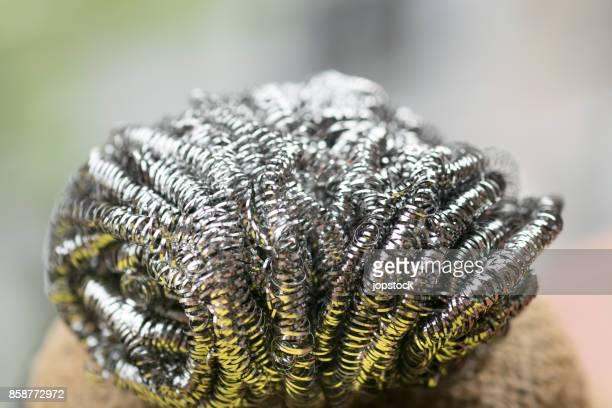 steel wool wire or metal sponge - objet quotidien photos et images de collection