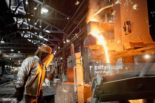 steel worker - 鉄 ストックフォトと画像