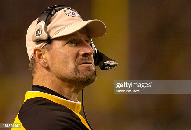 PITTSBURGH PA NOVEMBER 5 2006 Steelers head coach Bill Cowher watches the clock in the fourth quarter during the game between the Denver Broncos and...
