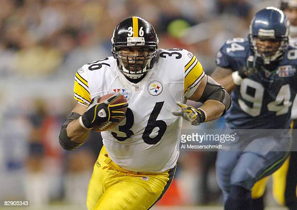 Steelers Jerome Bettis during Super Bowl XL between the Pittsburgh Steelers and Seattle Seahawks at Ford Field in Detroit Michigan on February 5 2006