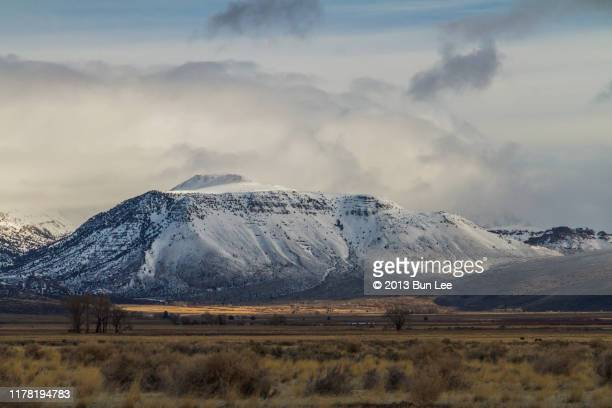 steens mountain in oregon - steens mountain stock pictures, royalty-free photos & images
