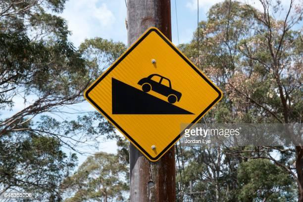 Steep gradient roads sign