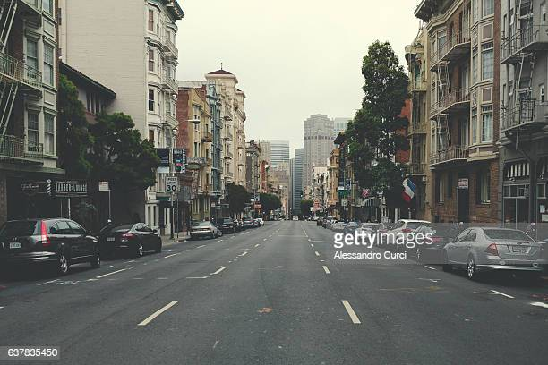 steep hill in san francisco - empty streets stock pictures, royalty-free photos & images