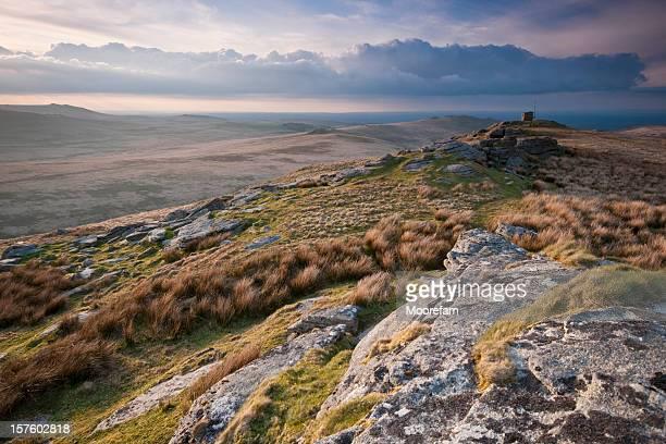 steeperton tor dartmoor - devon stock pictures, royalty-free photos & images