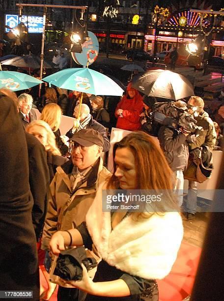 Stefan Aust Ehefrau Katrin HinrichsAust Fans Presse WeltPremiere Musical Ich war noch niemals in New York nach Hits von U D O J † R G E N S...