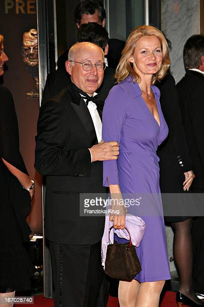 Stefan Aust Und Ehefrau Katrin Hinrichs Aust Bei Der Verleihung Des Henri Nannen Preis Im Schauspielhaus In Hamburg Am 110507
