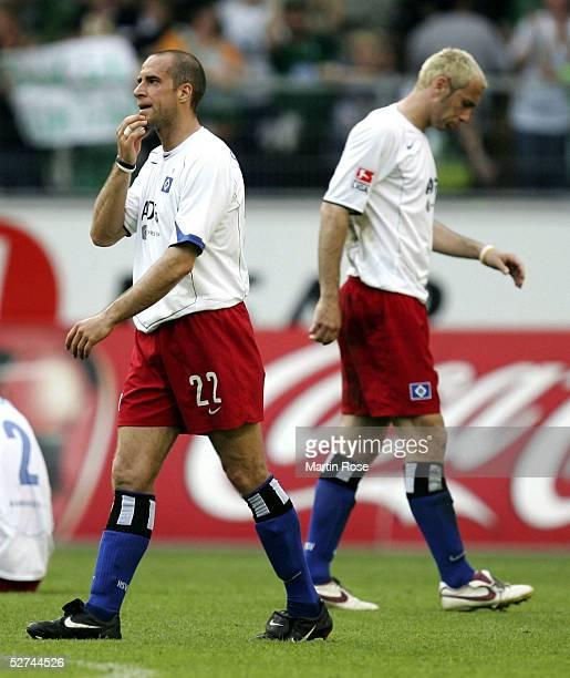 Stefan Beinlich and Sergej Barbarez of Hamburg are disapointed after the Bundesliga match between VFL Wolfsburg and Hamburger SV at the Volkswagen...