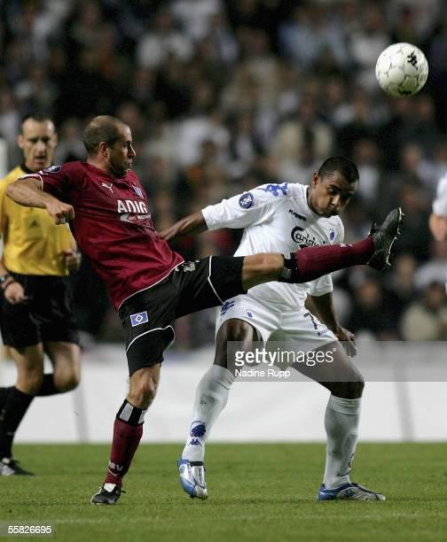 Stefan Beinlich of HSV competes with Alvaro Santos of Copenhagen during the UEFA Cup first round second leg match between FC Copenhagen and Hamburger...