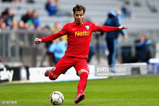 Stefan Celozzi of Bochum runs with the ball during the 2 Bundesliga match between TSV 1860 Muenchen and VfL Bochum at Allianz Arena on February 21...