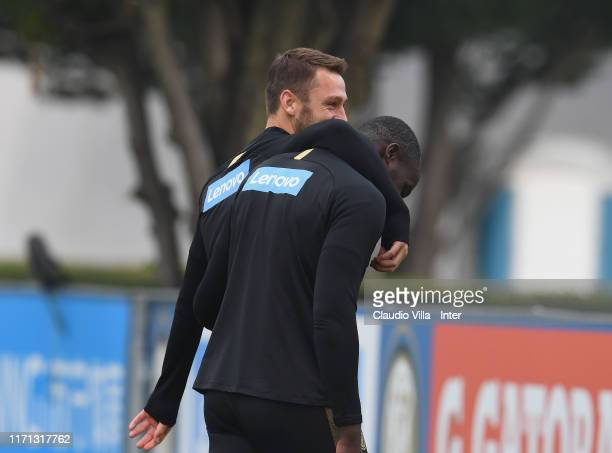 Stefan de Vrij and Romelu Lukaku react during FC Internazionale training session at Appiano Gentile on September 26 2019 in Como Italy