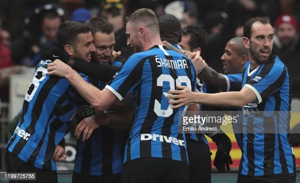 Stefan De Vrij of FC Internazionale celebrates his goal with his teammates during the Serie A match between FC Internazionale and AC Milan at Stadio...