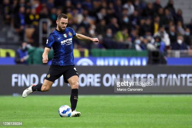 Stefan de Vrij of Fc Internazionale in action during the Serie A match between Fc Internazionale and Juventus Fc. The match ends in a tie 1-1.