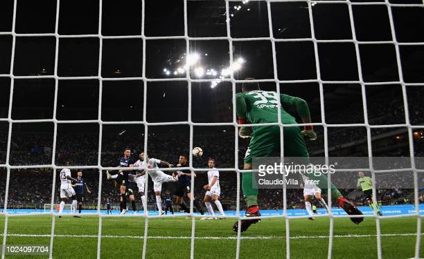 Stefan de Vrij of FC Internazionale scores the second goal during the serie A match between FC Internazionale and Torino FC at Stadio Giuseppe Meazza...