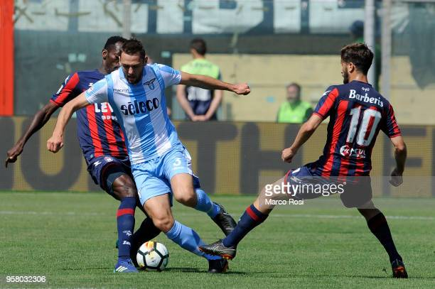 Stefan DFe Vrij of SS Lazio in action during the serie A match between FC Crotone and SS Lazio at Stadio Comunale Ezio Scida on May 13 2018 in...