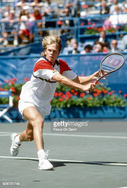Stefan Edberg of Sweden in action during the Men's 1986 US Open Tennis Championships circa 1986 at the USTA Tennis Center in the Queens borough of...