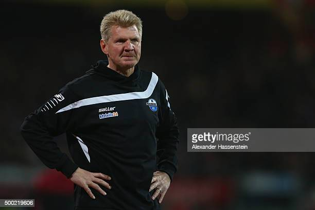 Stefan Effenberg head coach of Paderborn looks on during the Second Bundesliga match between 1 FC Nuernberg and SC Paderborn 07 at GrundigStadion on...