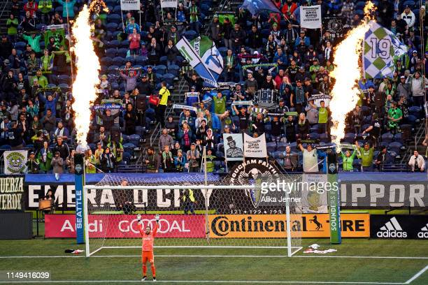 Stefan Frei of the Seattle Sounders enjoys the heat at the start of the match against Orlando City at CenturyLink Field on May 15 2019 in Seattle...