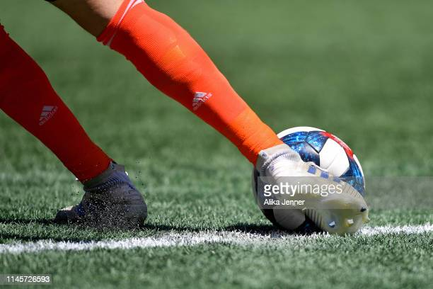 Stefan Frei of the Seattle Sounders puts the ball in play during the second half of the match against the Los Angeles FC at CenturyLink Field on...