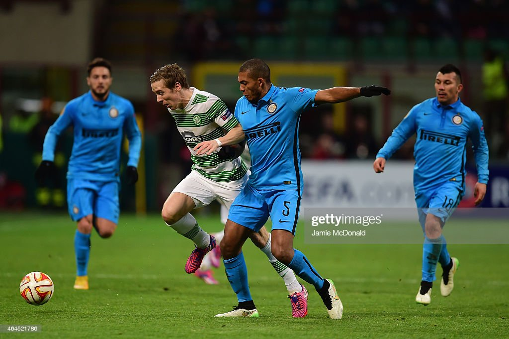 FC Internazionale Milano v Celtic FC - UEFA Europa League Round of 32 : News Photo
