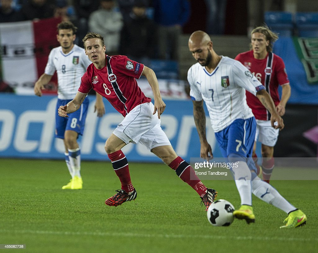 Stefan Johansen of Norway and Simone Zaza of Italy battle during the UEFA EURO 2016 qualifier match between Norway and Italy at Ullevaal Stadion on September 9, 2014 in Oslo, Norway.