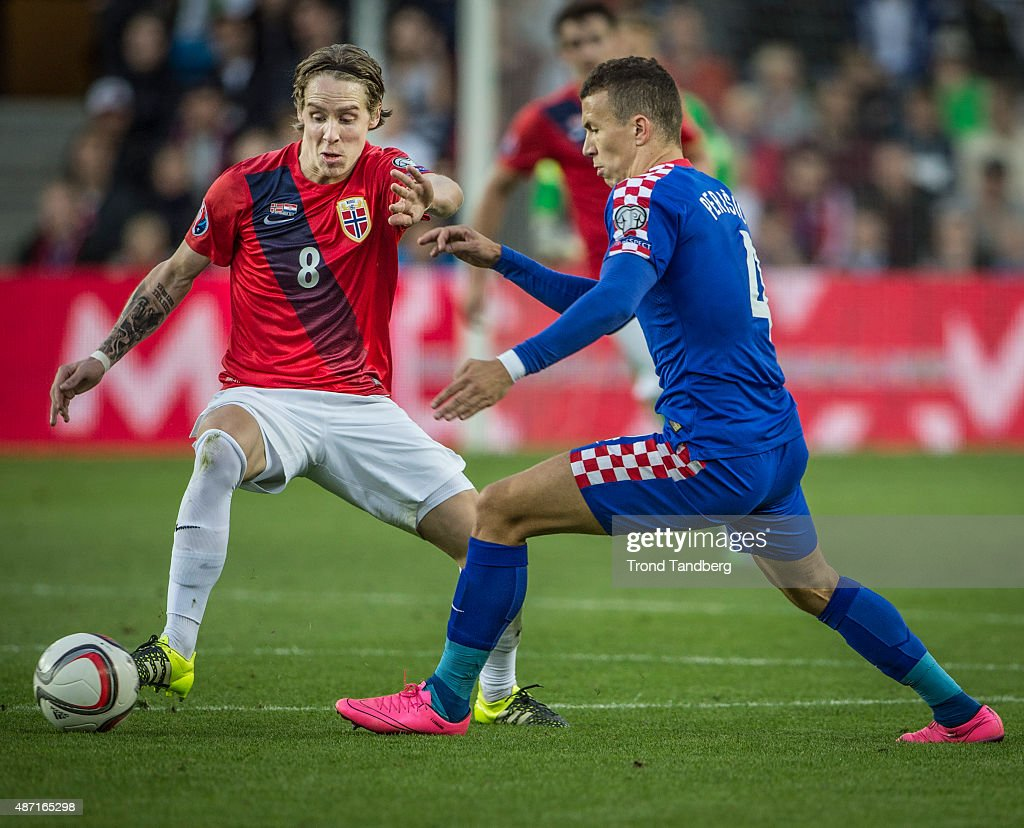 Stefan Johanson of Norway, Ivan Perisic of Croatia during the EURO 2016 Qualifier between Norway and Croatia at the Ullevaal Stadion on September 06, 2015 in Oslo, Norway.