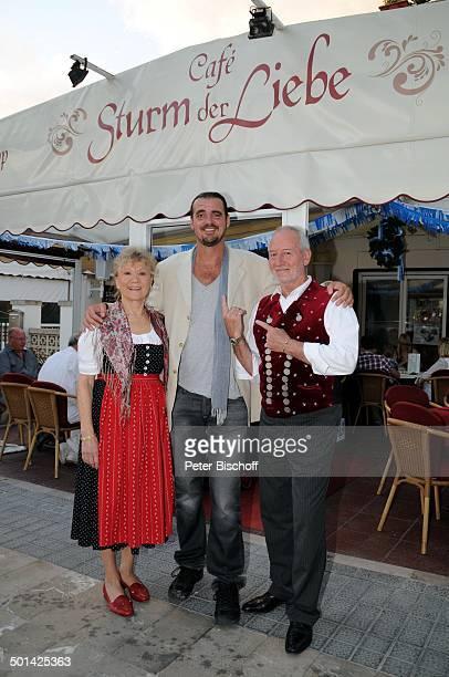 Stefan Jonas Antje Hagen Sepp Schauer 'StarDinner' am FanWochenende im 'Sturm der Liebe'Café Paguera Insel Mallorca Balearen Spanien Europa Terrasse...