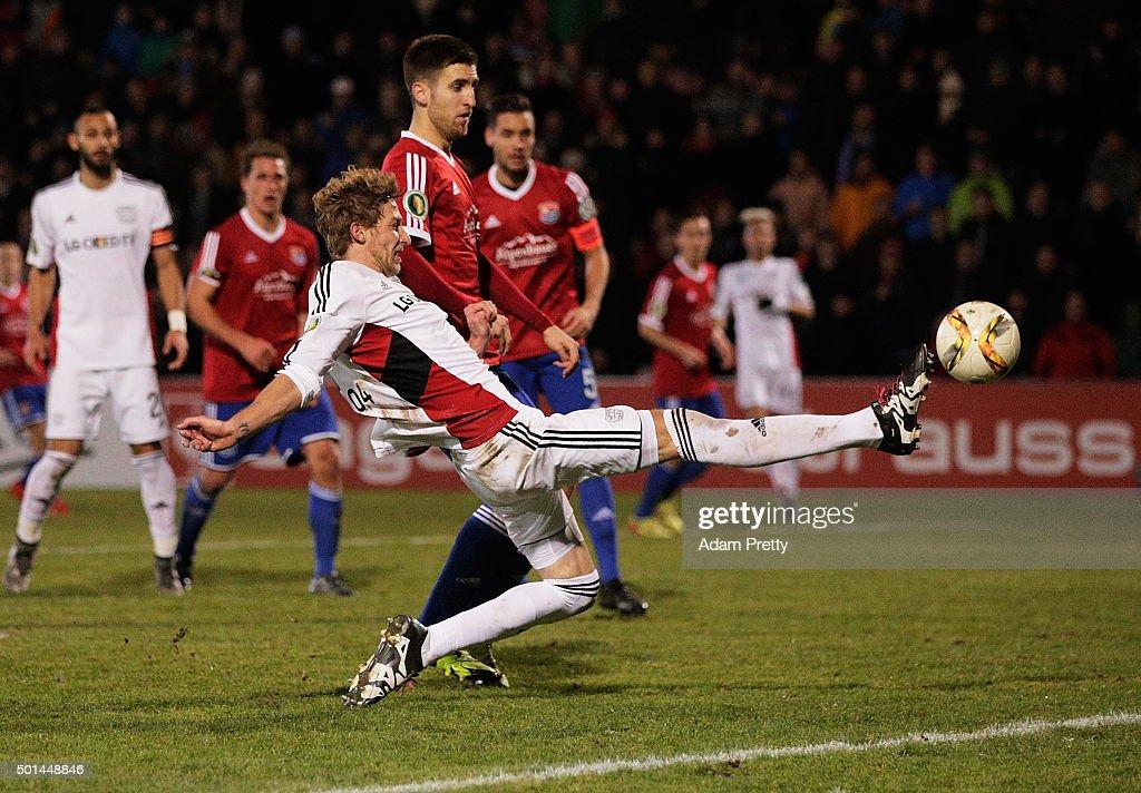 SpVgg Unterhaching v Bayer Leverkusen - DFB Cup : News Photo
