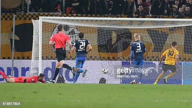 Stefan Kutschke of Dresden scores the fived goal during the Second Bundesliga match between SG Dynamo Dresden and Eintracht Braunschweig at...