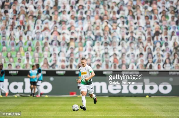 Stefan Lainer of Borussia Moenchengladbach controls the ball during the Bundesliga match between Borussia Moenchengladbach and Hertha BSC at...
