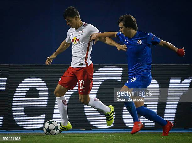 Stefan Lainer of Salzburg in action against Ante Coric of Dinamo Zagreb during the UEFA Champions League Playoffs First leg match between Dinamo...
