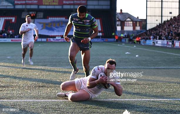 Stefan Marsh of Widnes Vikings goes over for a try during the First Utility Super League match between Widnes Vikings and Leeds Rhinos at Select...