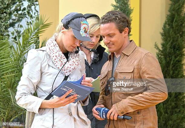 "Stefan Mross , Ehefrau Susanne , Produktions-Assistentin, ARD-Show ""Immer wieder Sonntags"" , ""Europa-Park"", Rust, Baden-Württemberg, Deutschland,..."
