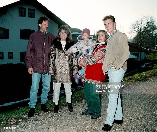 Stefan Mross mit seinem älteren Bruder Klaus Schwägerin Karin und dessen Tochter Nicole sowie Stefanie Hertel Homestory in Traunstein am Chiemsee...