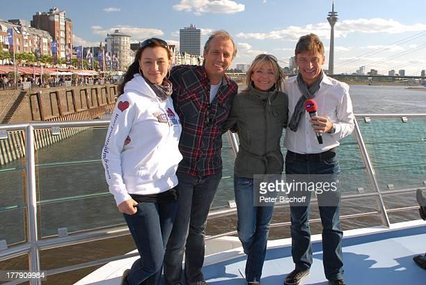 Stefan Verhasselt mit Iris Criens Andreas Lebbing und Iris Criens WDR 4Grand Prix Schiff Party KDAnlegestelle Burgplatz an der Rheinuferpromenade...
