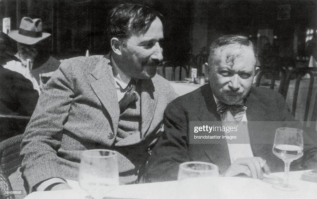 Stefan Zweig and Josef Roth in Ostende : News Photo