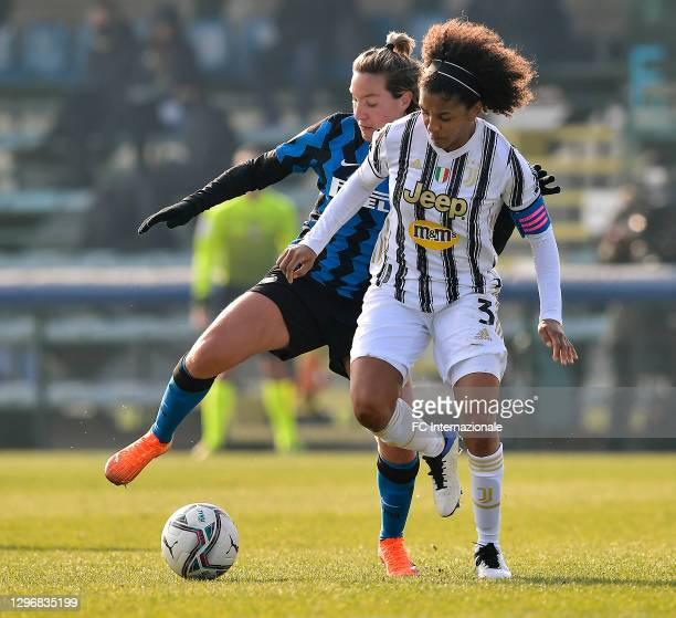 Stefania Tarenzi of FC Internazionale challenges for the ball with Sara Gama of Juventus Women during the Women Serie A match between FC...