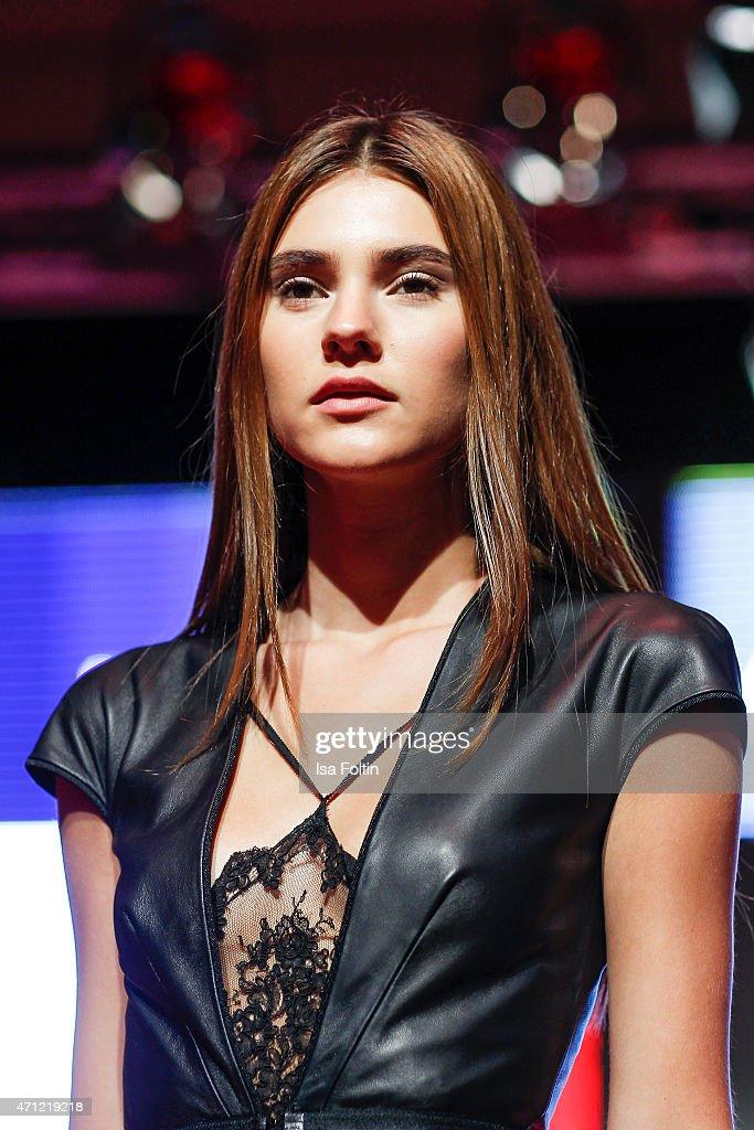 Fashion Charity Event 2015 : Nachrichtenfoto
