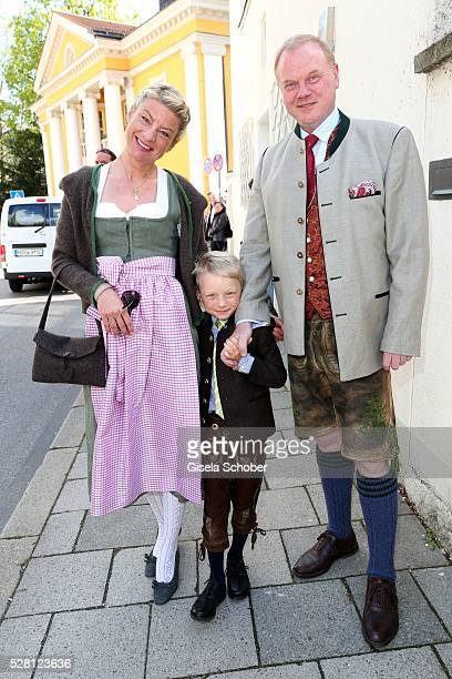 Stefanie Haag daughter of Angela Wepper and Ferfried von Hohenzollern half sister of Sophie Wepper and her husband Martin Haag and their son...