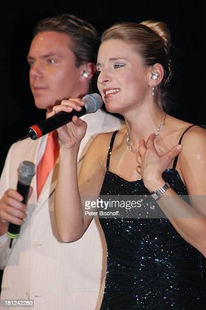 Stefanie Hertel Lebensgefährte Stefan Mross Tournee 'Zauber der W E I H N A C H T' Stadthalle Riesa Sachsen Deutschland