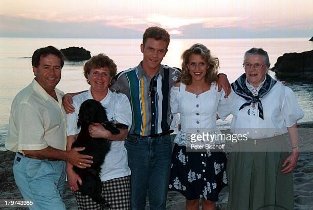 Stefanie Hertel mit Eltern Eberhard undElisabeth und Oma Erna Unger und StefanMross Mutter Vater Großmutter Freund Familie ARDTVSpecial...