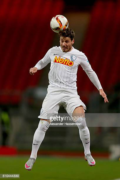 Stefano Celozzi of Bochum runs with the ball during the Second Bundesliga match between 1 FC Nuernberg and VfL Bochum at GrundigStadion on February...