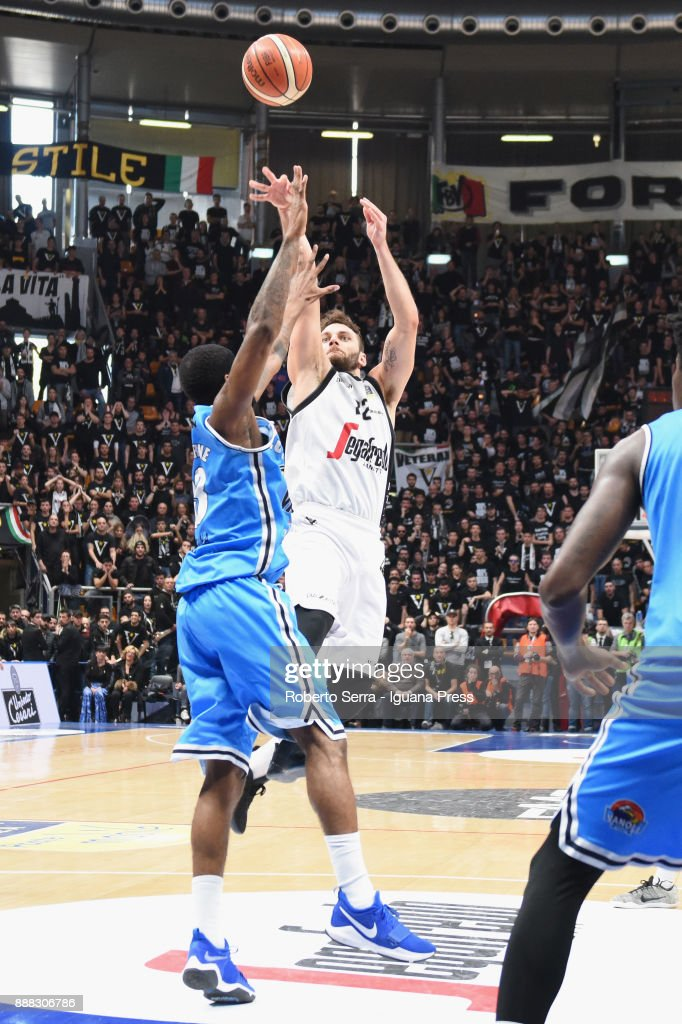 Stefano Gentile of Segafredo competes with Landon Milbourne of Vanoli during the LBA LegaBasket of Serie A match between Virtus Segafredo Bologna and Vanoli Cremona at PalaDozza on December 3, 2017 in Bologna, Italy.