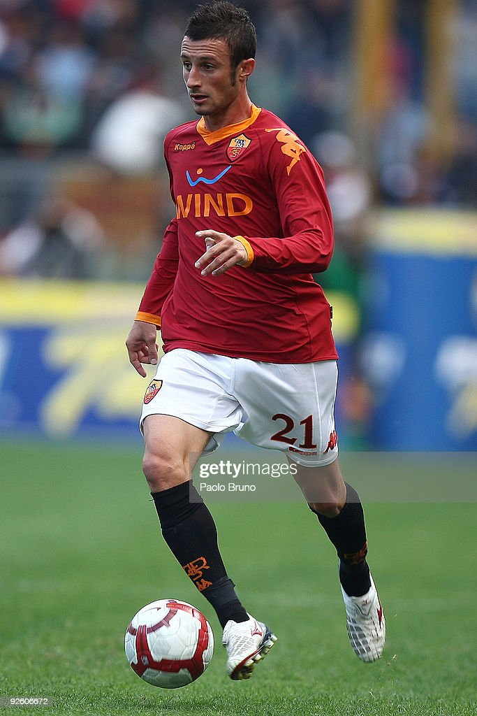 Stefano Guberti of AS Roma in action during the Serie A match between AS Roma and Bologna FC at Stadio Olimpico on November 1, 2009 in Rome, Italy.