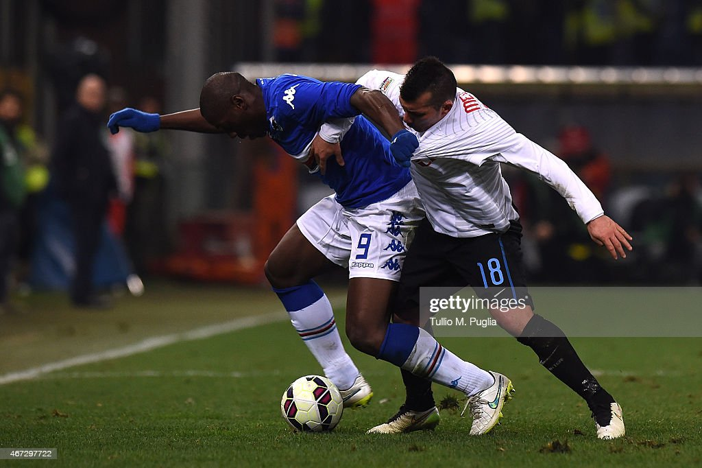 Stefano Okaka (L) of Sampdoria and Gary Medel of Internazionale Milano compete for the ball during the Serie A match between UC Sampdoria and FC Internazionale Milano at Stadio Luigi Ferraris on March 22, 2015 in Genoa, Italy.