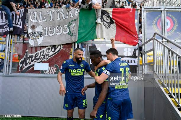 Stefano Okaka of Udinese celebrates a opening goal during the Serie A match between Frosinone Calcio and Udinese at Stadio Benito Stirpe on May 12...